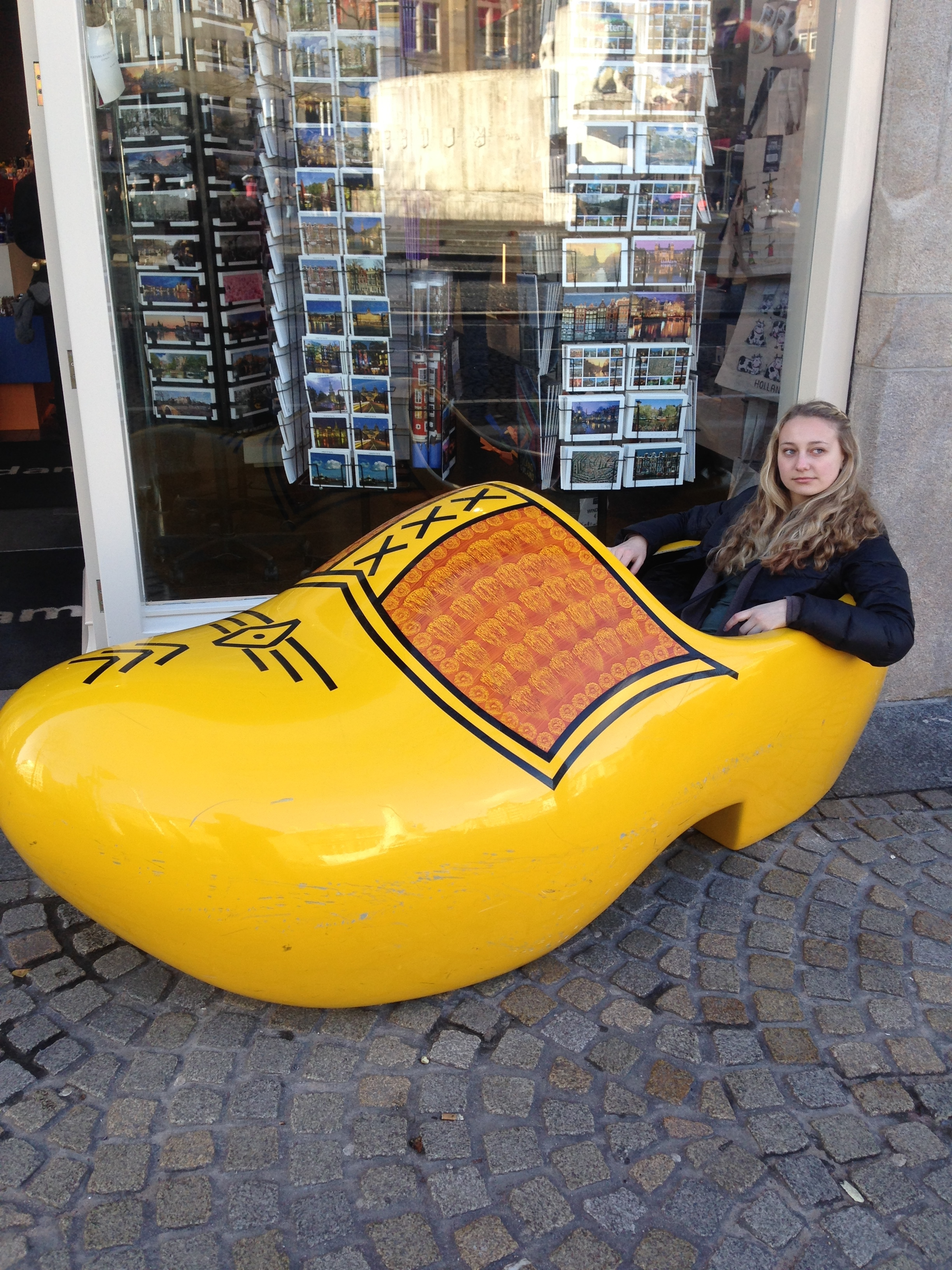 To leave you off, here is a picture of me chilling in a clog...